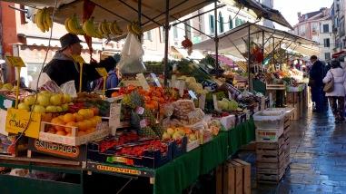 Market near Rialto Bridge