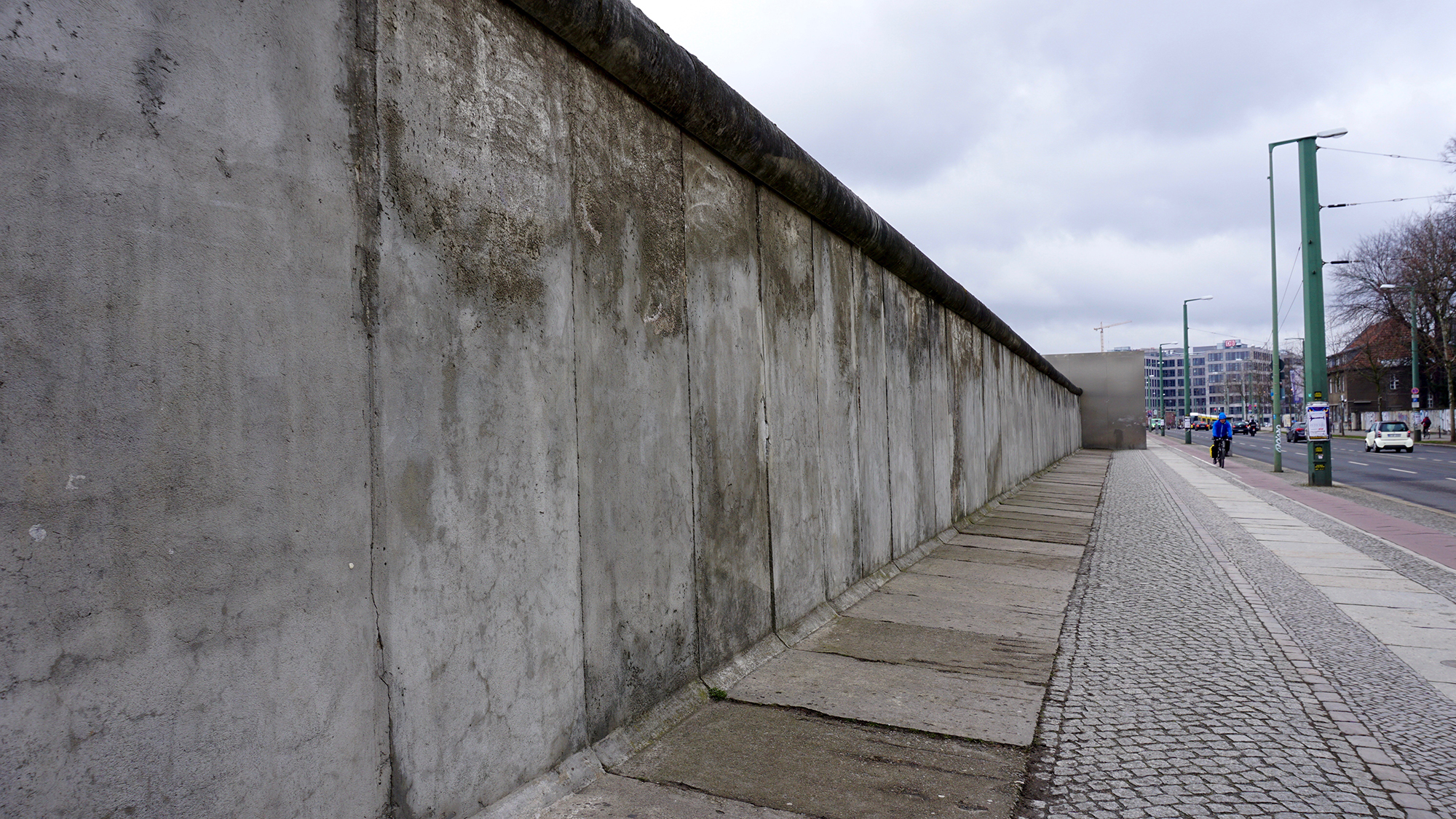 The Berlin Wall and 'ghost stations' | Solo Karen 'Round ...